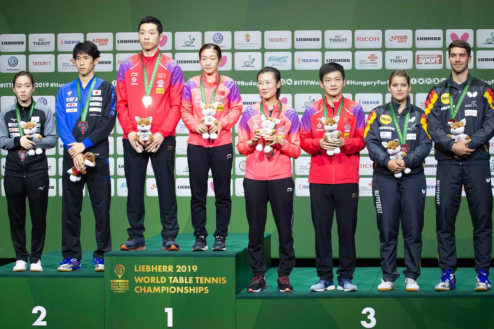 Siegerehrung WM 2019 Budapest, Mixed Bronzemedaille (Foto: Manfred Schillings)